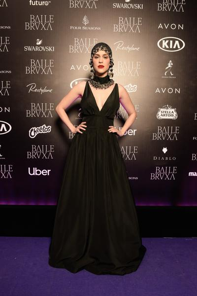 Sophia Abrahão usa vestido Tufi Duek