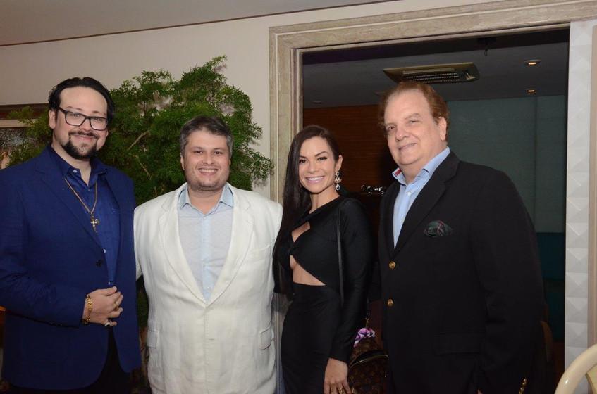 Diego Cosac, Claudio de Castro, Bruna Vi