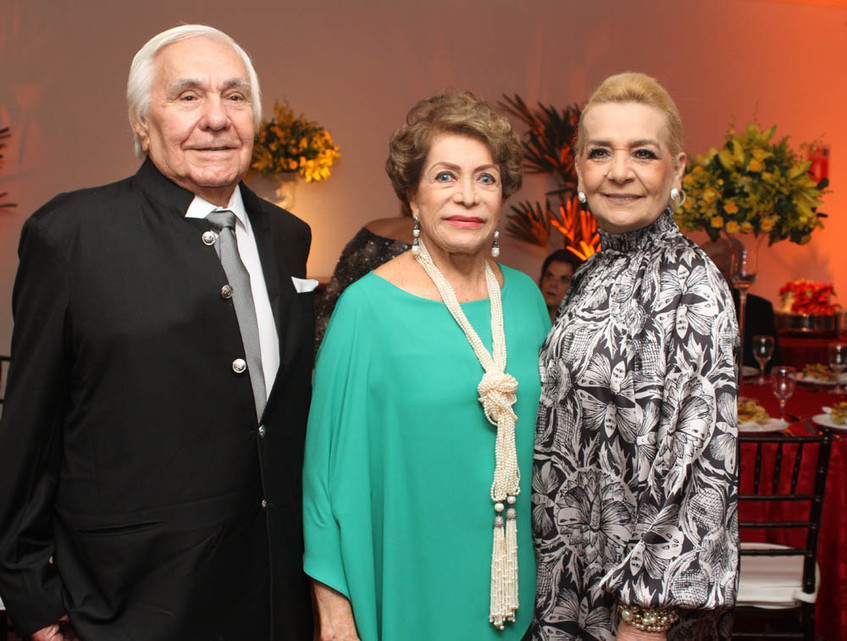 LUIS BANGEL, IVBANETE E VERA BANGEL,.
