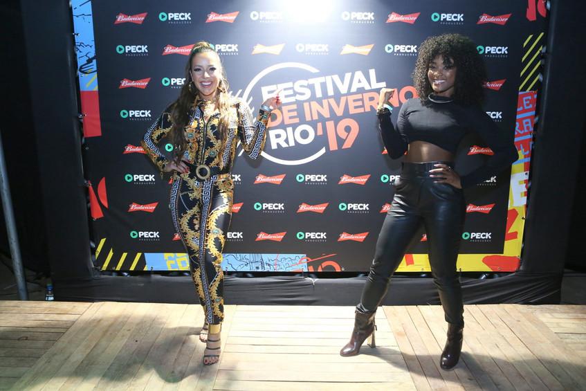 Renata Domingues  e Erika Januza 0996