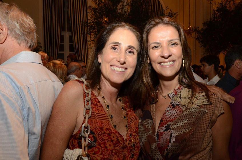 Carol Abtbol e Laura Paes