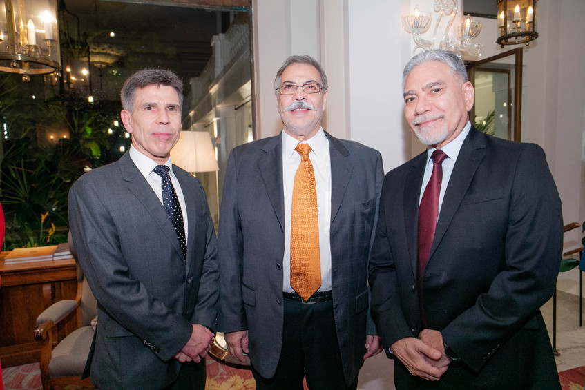 Rogerio Barros  Aristomendes Barroso e M
