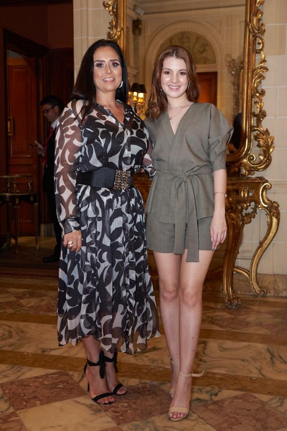 JenniferOliveira & Valeria Costa Foto Se