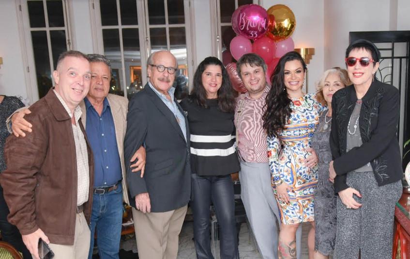 Bruna e Claudio Castro com Aloysito e Jo