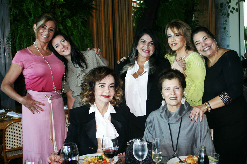 Claudia, Joana, Vera, Jane, Regina, Clau