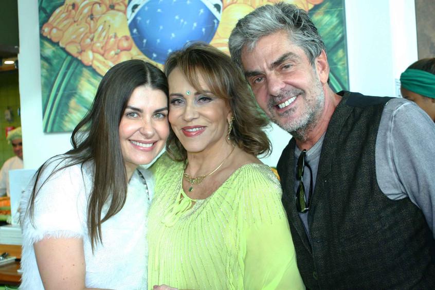 Liliane Santiago, Regina Portugal e Mano