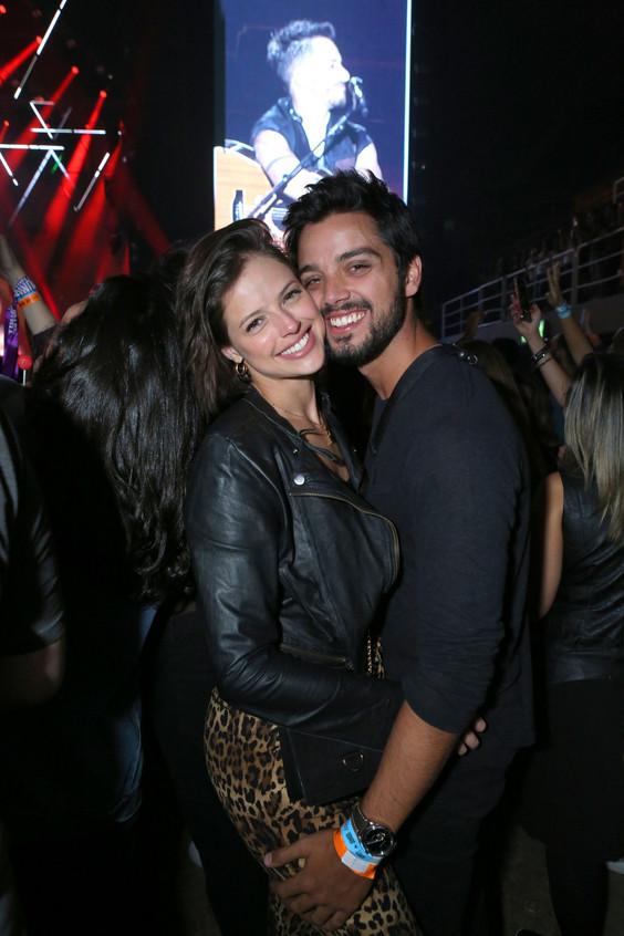 Agatha Moreira e Rodrigo Simas 6905