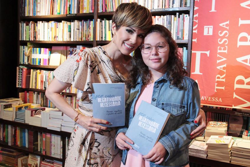 346Q1322-Ana Furtado e Isabella Oliveira