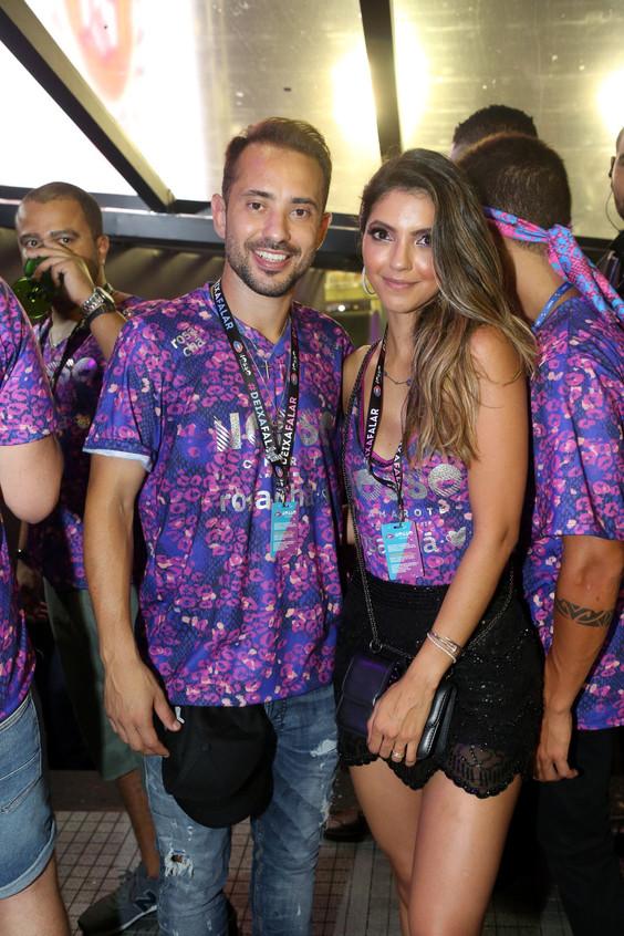 Everton Ribeiro e Esposa 0122