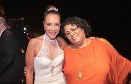 Adriana de Rivera com nossa querida amiga  e colega  de trabalho  Maria Helena da Silva Hermenegildo