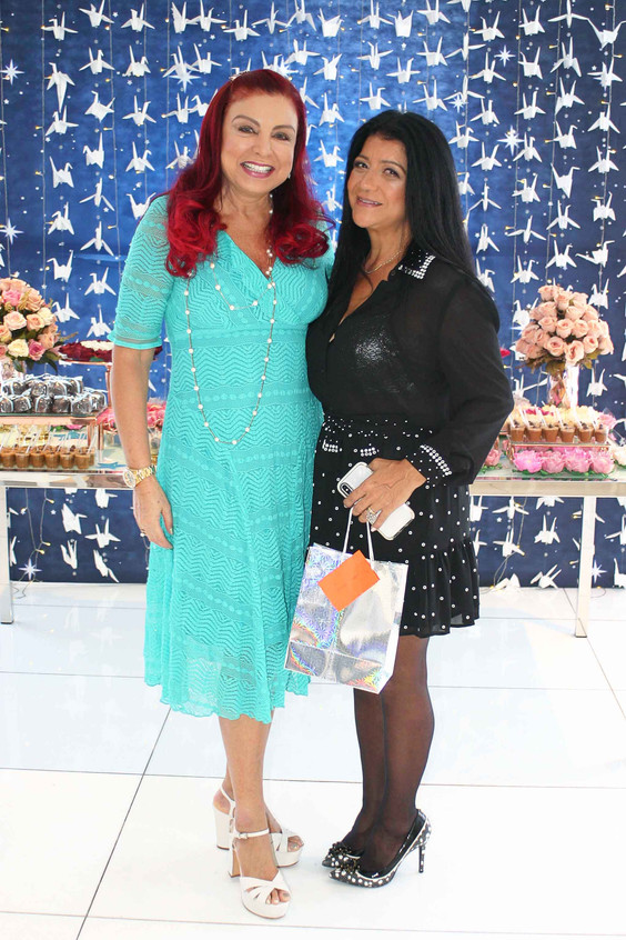 Claudia Rhamnusia e Raquel Franca
