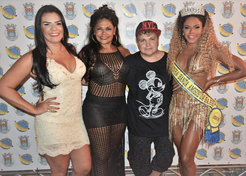 Ricardo Araujo com as musas