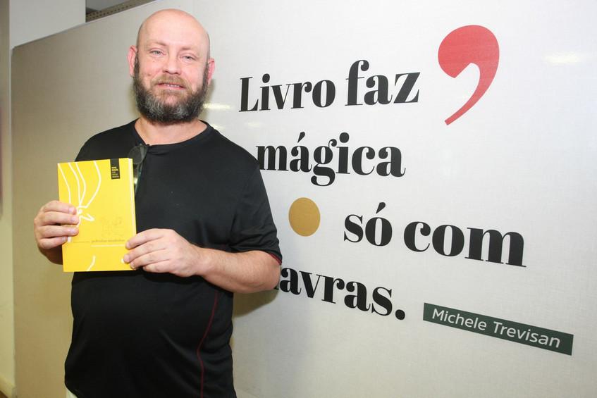 346Q5847-Luiz_Antônio_Simas