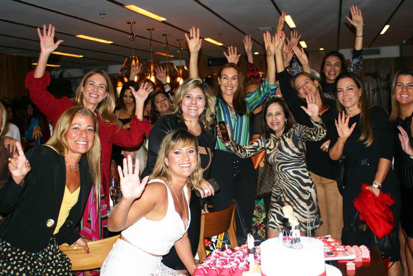 Elisa Rocha e amigas