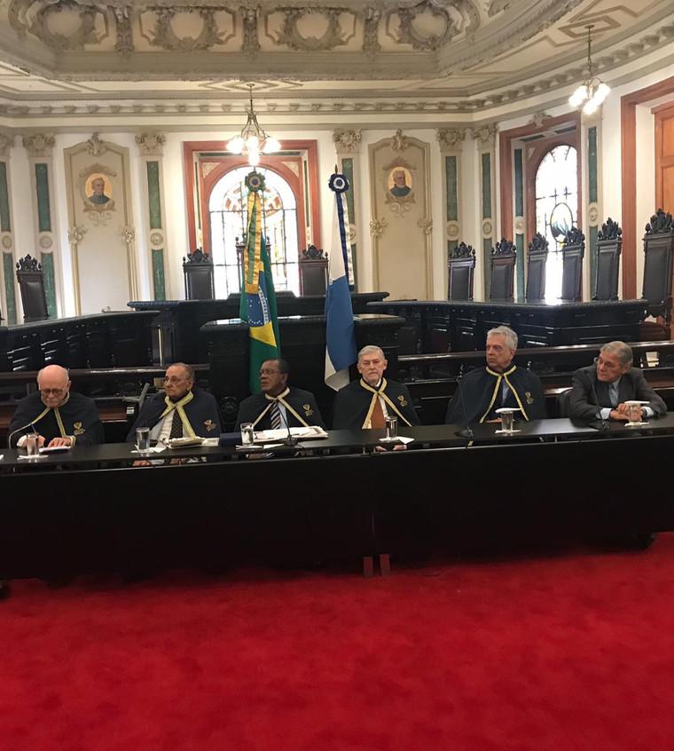 Mesa presidida pelo Sr Arlindo Pereira da Silva