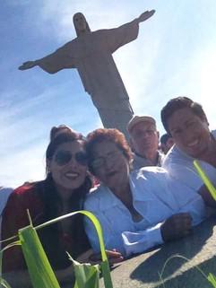 1. Karen Vasquez  2. Marina Romero  3.Juan Carlos Vasquez  4.Omar Vasquez