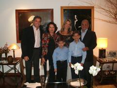 Enzo Rivera, Marilu Pitanguy, Adriana Rivera, Ivo Pitanguy e os irmãos Sebastian e Daniel Rivera