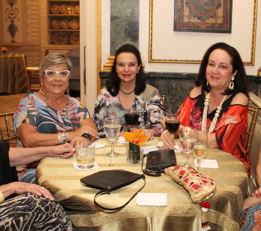 Mariza Monteiro, Monica Faria e Beth ser