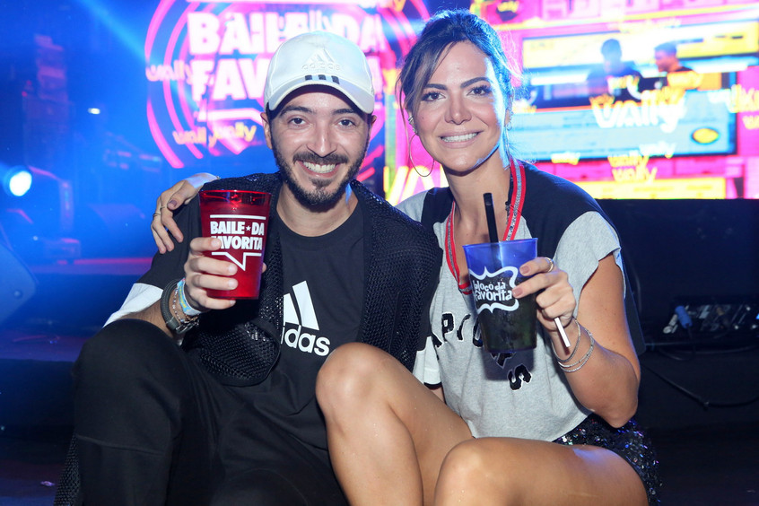 Dj Felipe Mar e Carol Sampaio 9910