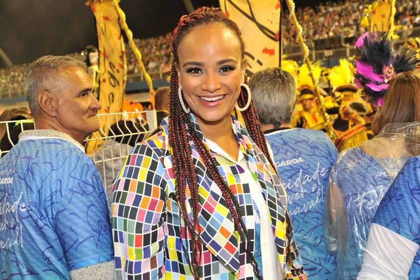 Luciana Melo 3