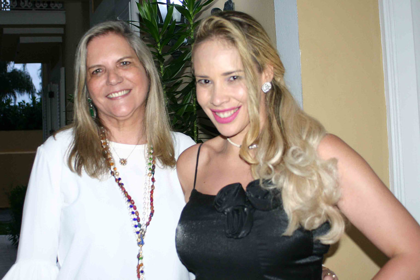 Maninha Barbosa e Paula Glaciane