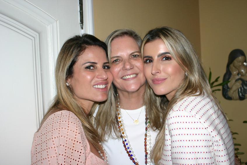 Ana, Maninha e Dandynha Barbosa