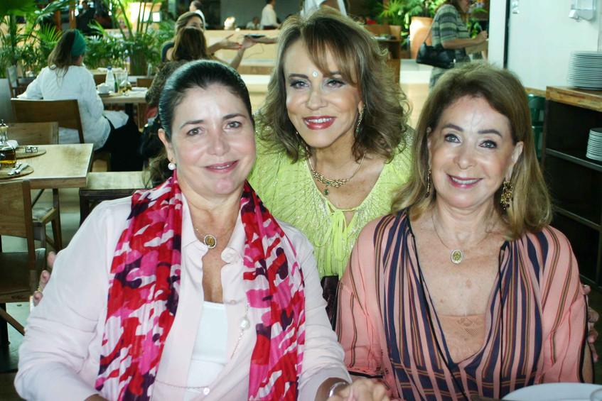 Regina Valle, Regina Portugal e Ana