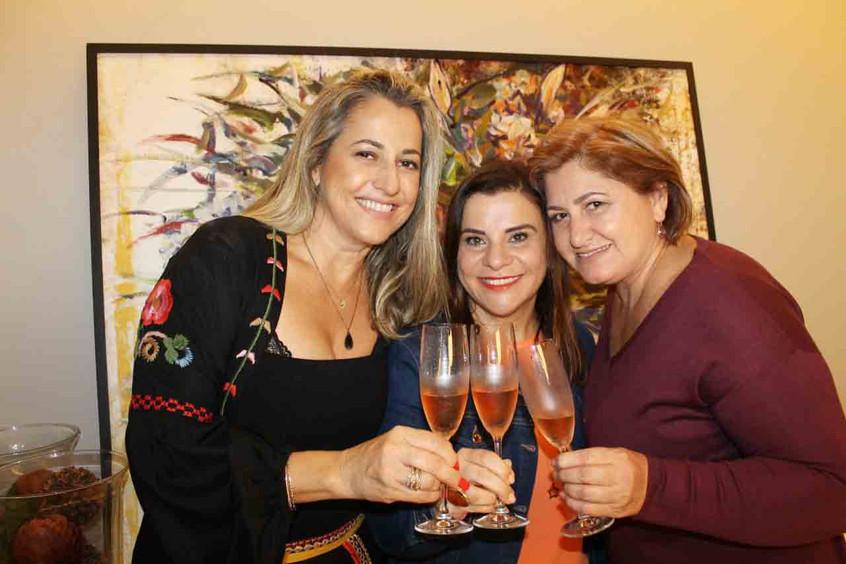 Margareti Oliveira, Lindslei Antunes e M