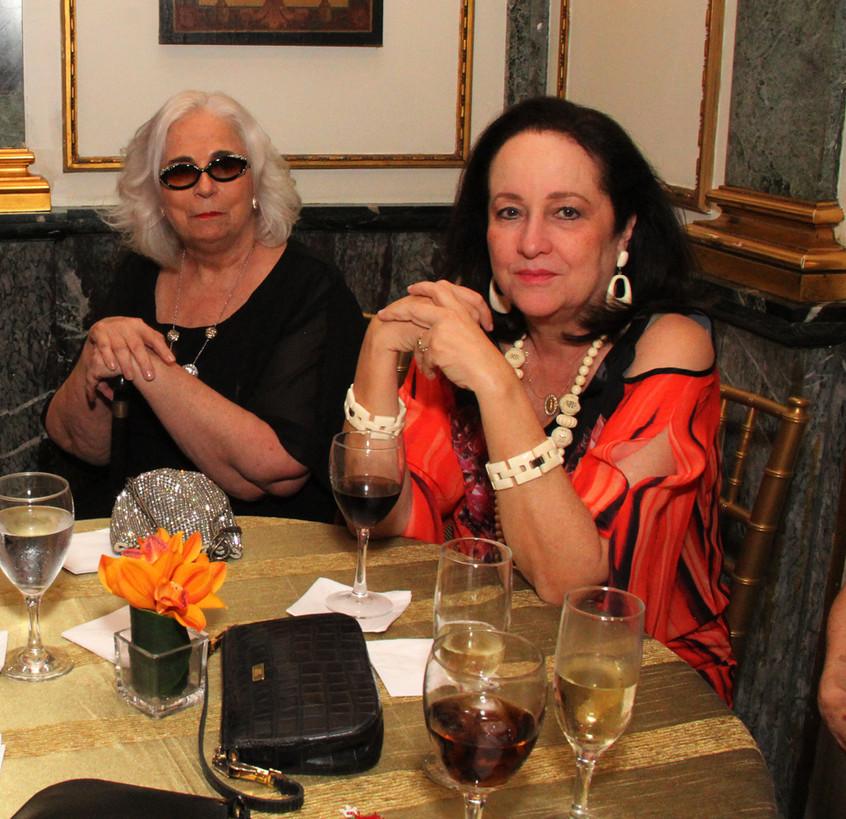 Hildegard Angel e Beth Serpa