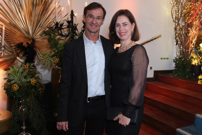 346Q9129-Carlos e Valeria Damaso