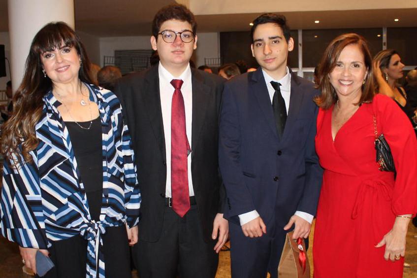 Adriana,_Fabricio_e_Pietro_Horta_com_a_D