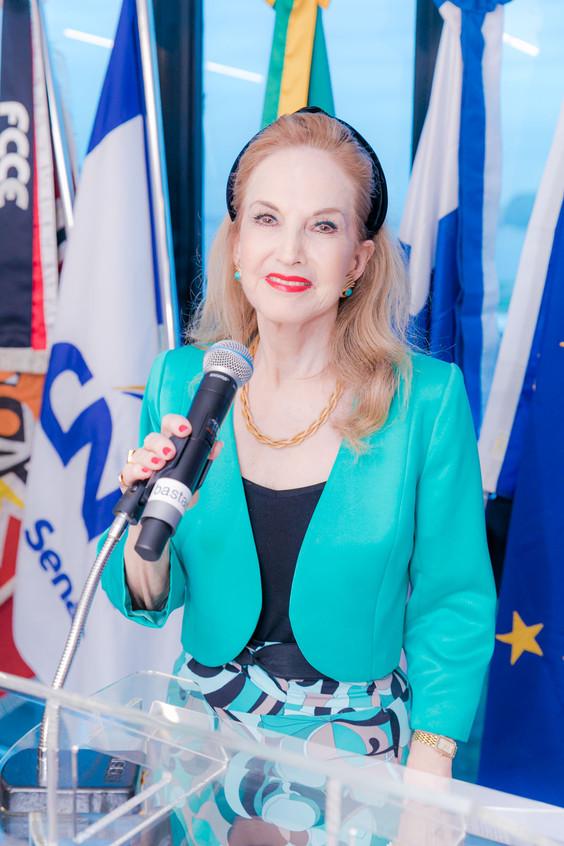 Diana Lewe Van Aduard de Macedo-Soares_1