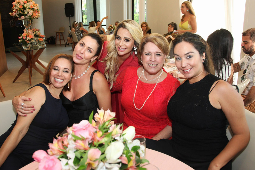 IMG_4109-Denise_Cabral,_Adriana_Moura,_A
