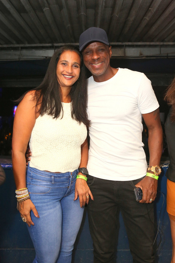 Robson Caetano e esposa 0221