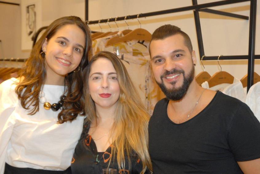 Luisa Paulino, Cris Fernandes e Tiago Li