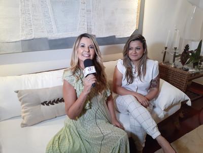 Viviane entrevistando