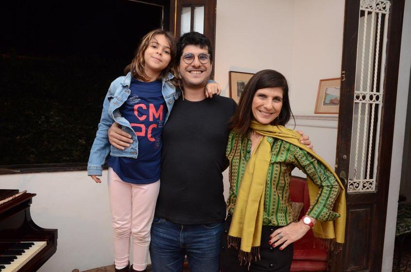 Maria e Luiz Gustavo Neiva com Gisela Zi