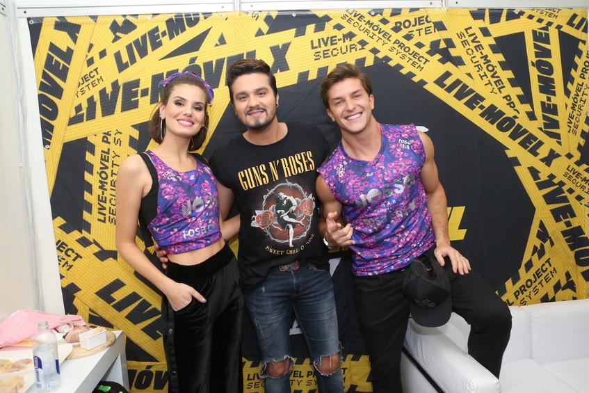 Luan Santana, Camila Queiroz e Klebber T