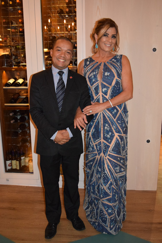 O Gerente Leandro e Claudia Bueri