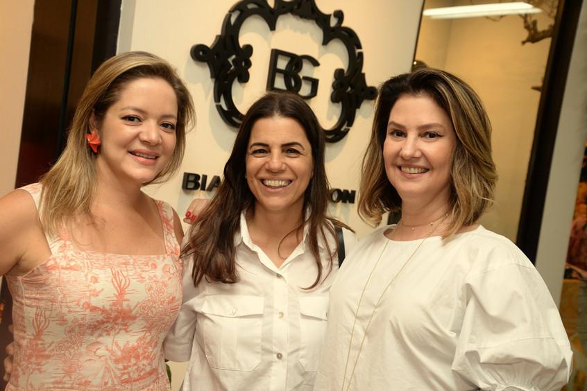 Bianca Gibbon, Teresa Gibbon e Rosane Cu