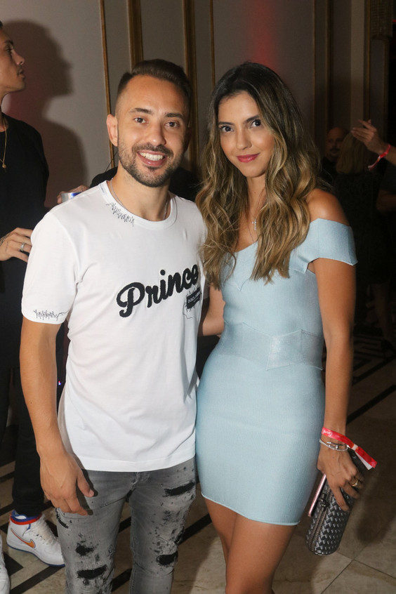 Everton Ribeiro e Esposa 6651