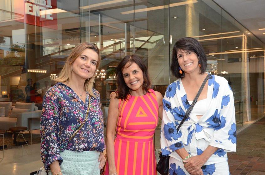 Flavia_Marcolini,_Angela_Falcão_e_Lucila