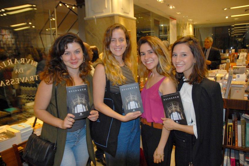 As atrizes Andrezza Abreu, Karina Ramil,