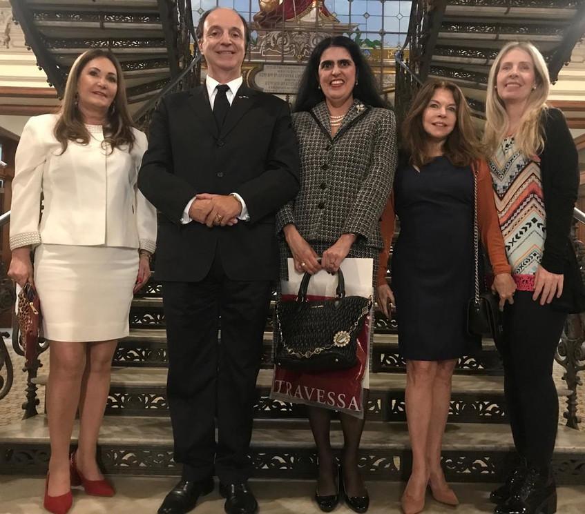 Cerise Favilla Carrilho, casal Mauro e Cláudia de Lima Câmara, Vera Melo e Elaine Alvarenga