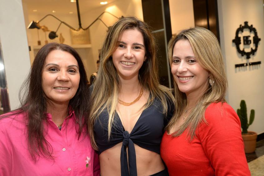 Teresa_Mendonça,_Victoria_Rezende_e_Andr