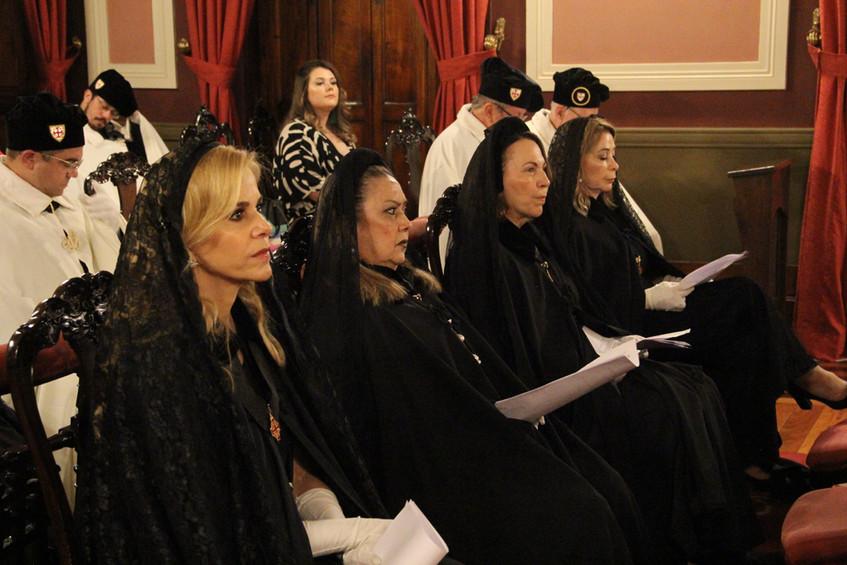 Damas do Santo Sepulcro na Missa