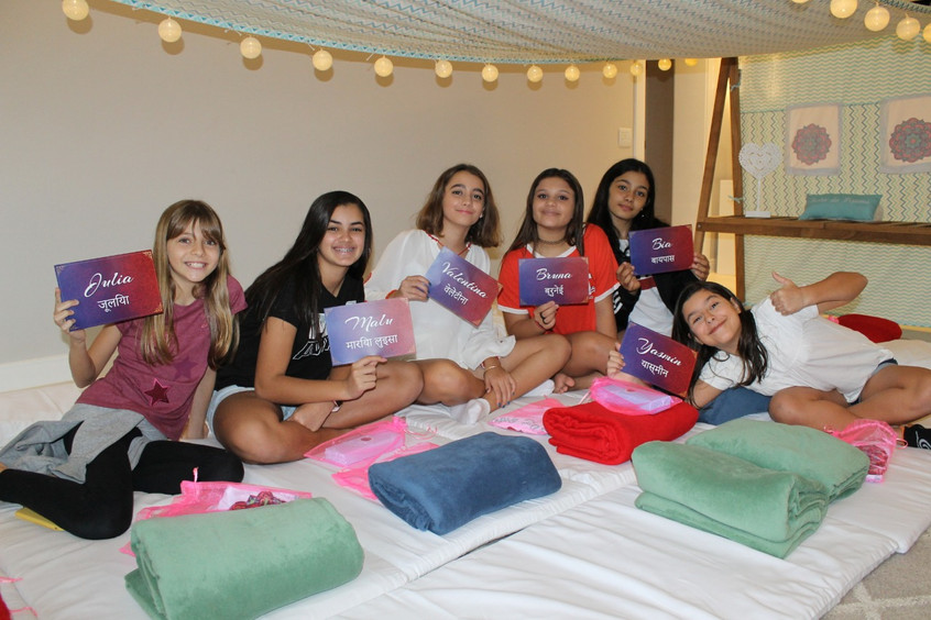 Valentina Ribeiro e amigas