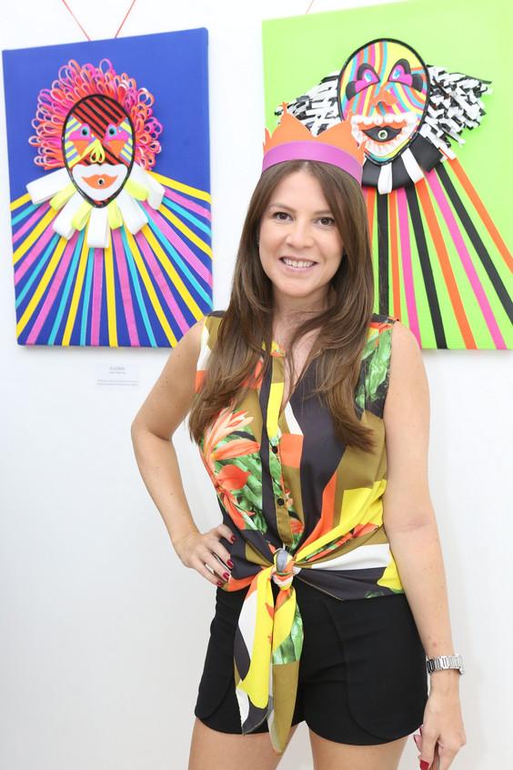 Julia Mello 7346
