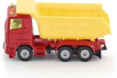 Camion con cassone ribaltabile