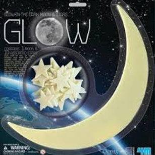 Luna grande e stelle fluorescenti